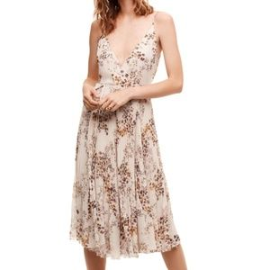 Aritzia Wilfred Beaune Floral Pleated Wrap Dress
